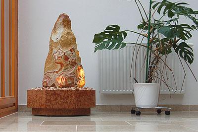 Sandsteinbrunnen zimmerbrunnen gartenbrunnen gefertigt - Naturstein zimmerbrunnen ...